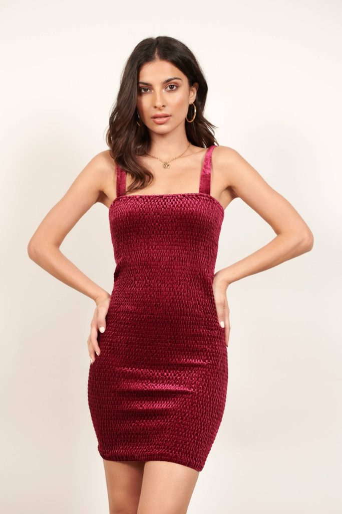 WINERY WINE VELVET SMOCKED BODYCON DRESS